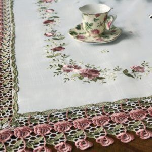 NEW Tablecloth SHABBY CHIC ROSE LACE, Square